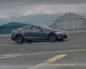 DT Test Drive — Tesla Model S P90D & P85D