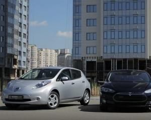 Тест-драйв электрокаров Tesla Model S, Nissan Leaf, Smart electric drive
